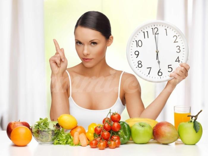 На фото Следите за здоровьем и фигурой? Откажитесь от ужина