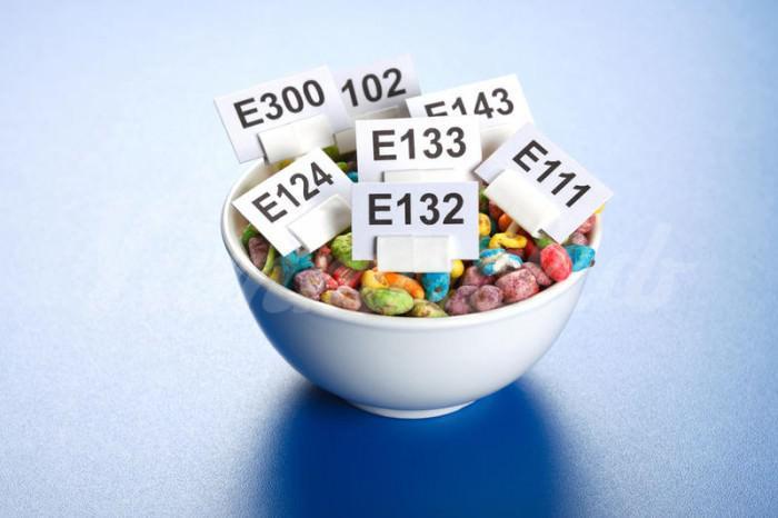 На фото Чем опасны «безобидные» пищевые добавки?