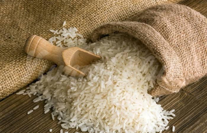 На фото Ученые придумали, как снизить калорийность риса