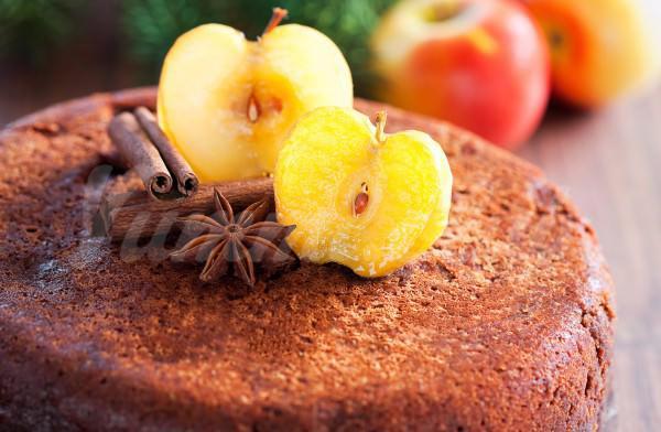 На фото Яблочный пирог в мультиварке