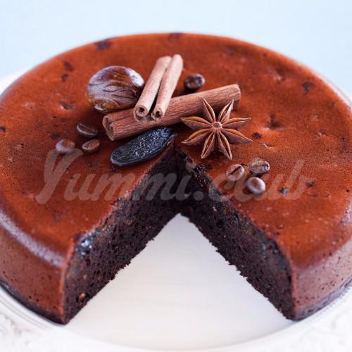 На фото Торт в мультиварке с шоколадом и черносливом