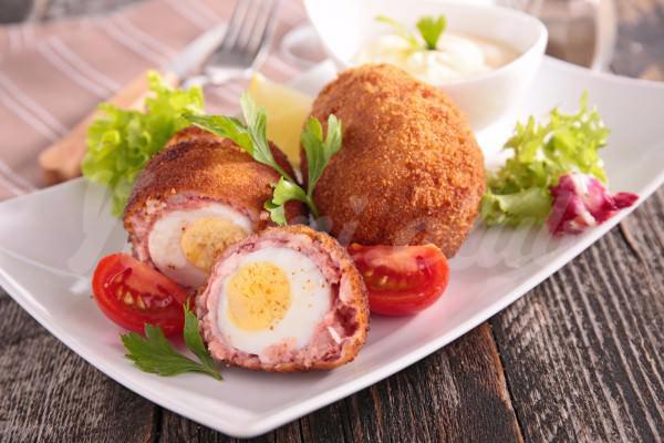 На фото Яйца по-шотландски