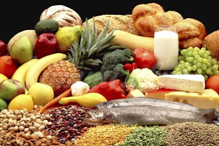 На фото Правильное питание может защитить от болезней легких