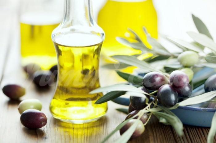 На фото Оливковое масло – лучшее для жарки