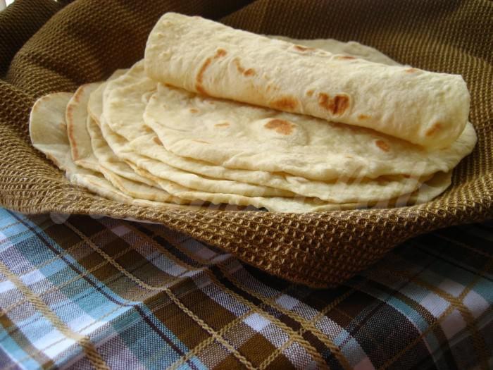 На фото Тортилья (тортильяс) — мексиканская кухня