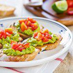 Рецепт Тосты с гуакамоле и помидорами