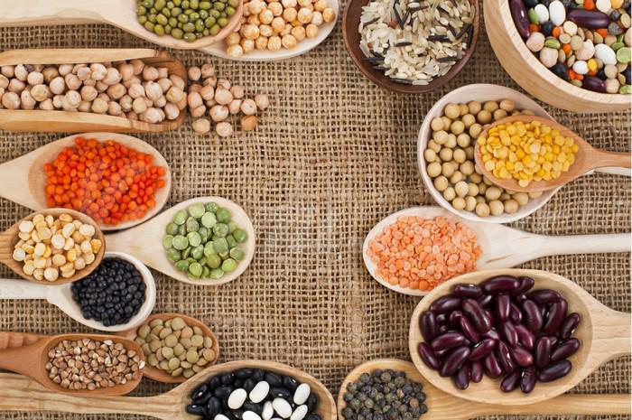 На фото 7 лучших источников протеина для вегетарианцев