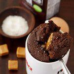 Рецепт Шоколадно-карамельный пирог в микроволновке