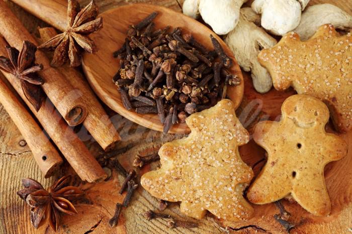 На фото Рождественское печенье со специями