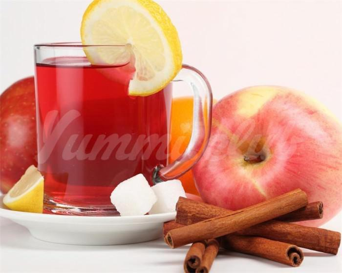 На фото Специалисты выяснили, почему яблоки и зеленый чай полезны для здоровья