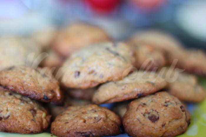 На фото Кокосовое печенье с бананами (второй вариант)