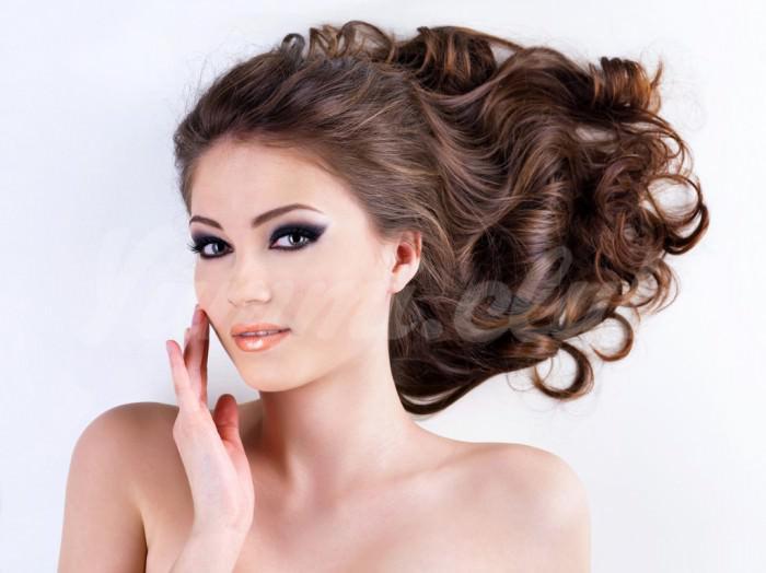 На фото Как восстановить здоровье волос, весенние маски