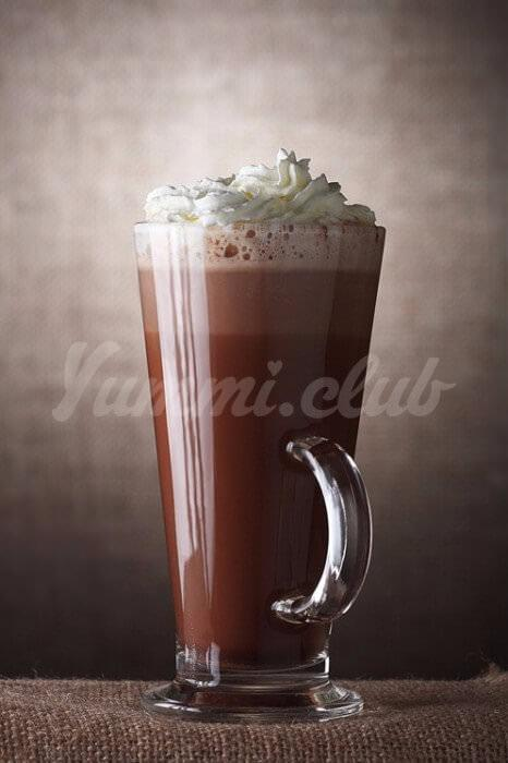 На фото Ирландский горячий шоколад