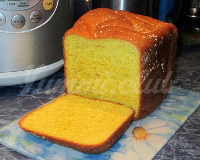На фото Итальянский творожный кекс из кукурузной муки