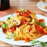 Рецепт Спагетти с томатно-грибным соусом