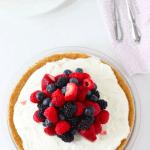Рецепт Чизкейк с белым шоколадом и ягодами без выпечки