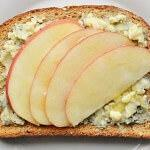 Рецепт Изысканные бутерброды сяблоком, медом и сыром