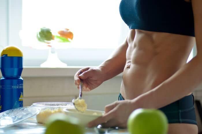 На фото Какую еду необходимо употреблять после тренировок?