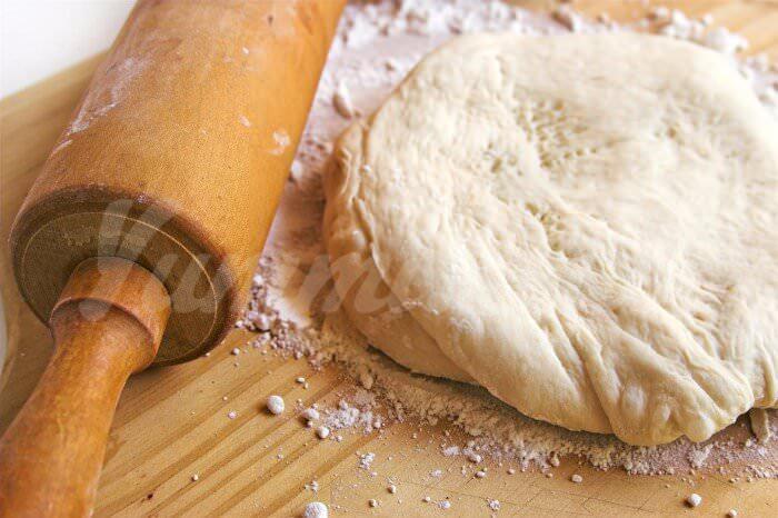 На фото Тесто для пиццы от Ильи Лазерсона
