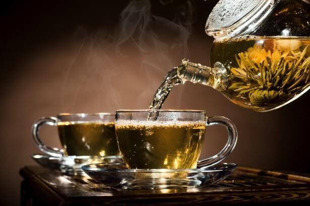На фото Зачем пить чай: 20 важных причин