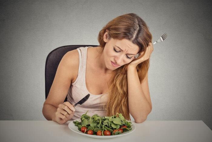 На фото Как справляться с депрессией во время похудения