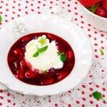 Рецепт Ягодный суп с мороженым