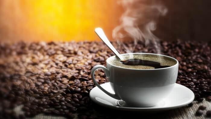 На фото Как кофеин влияет на организм