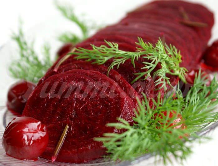 На фото Вареные овощи в микроволновке