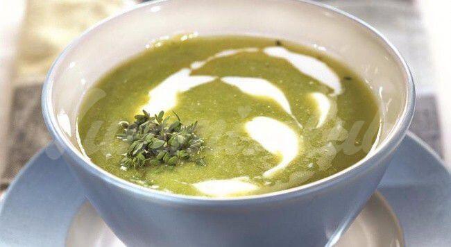 На фото Холодный суп-пюре из авокадо
