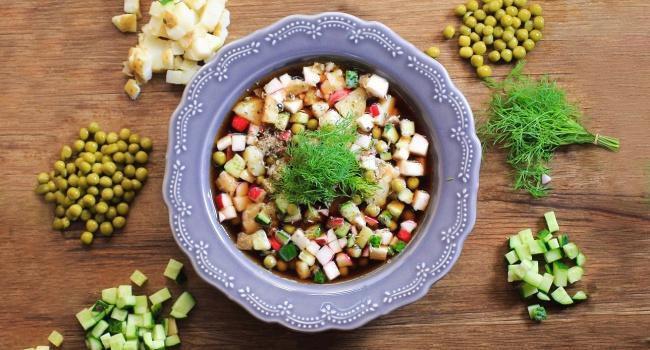 На фото Окрошка овощная