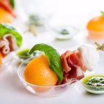 Рецепт Летняя закуска из дыни и прошутто