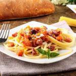 Рецепт Спагетти в томатном соусе с беконом