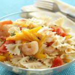 Рецепт Теплый салат из пасты с креветками
