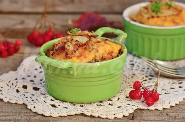 На фото Картофельная запеканка с мясом (Пастуший пирог)