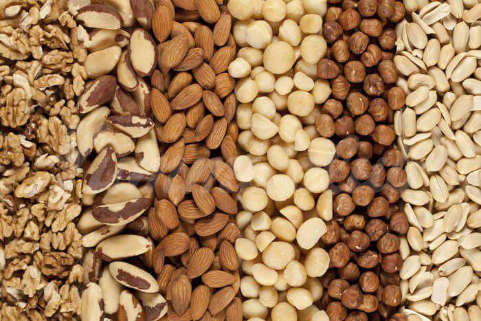 На фото Зачем замачивать орехи перед употреблением?
