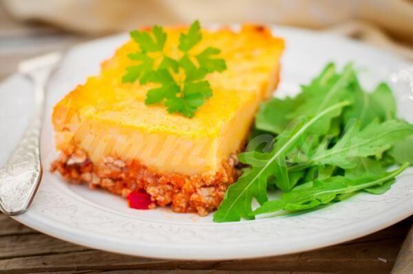 На фото Тыквенно-картофельная запеканка с мясным фаршем