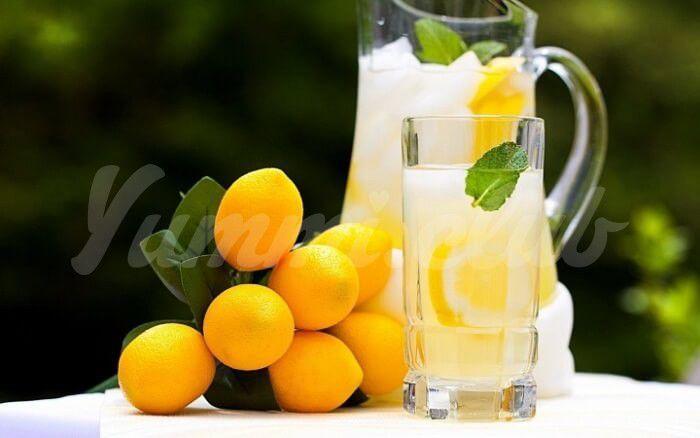 На фото Почему стоит пить воду с лимоном?