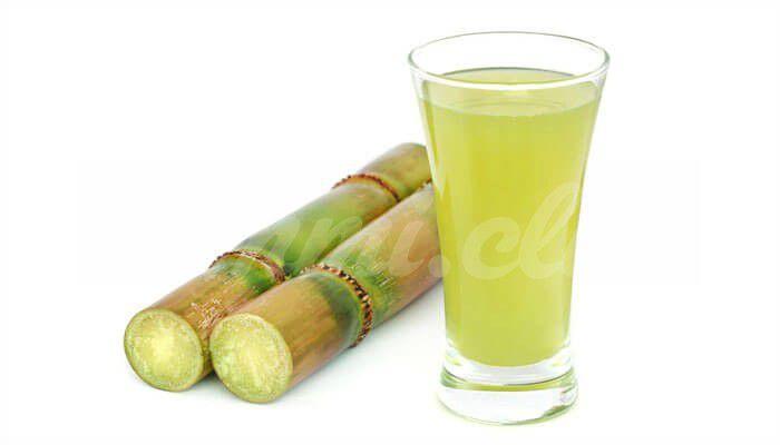 На фото Чем полезен сок из сахарного тростника