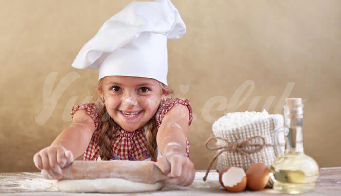 На фото Дети, которые боятся пробовать новые продукты, могут иметь низкую самооценку