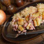 Рецепт Картофельные клецки с грудинкой и кислой капустой