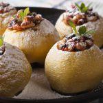 Рецепт Запеченные яблоки с сухофруктами от Джейми Оливера