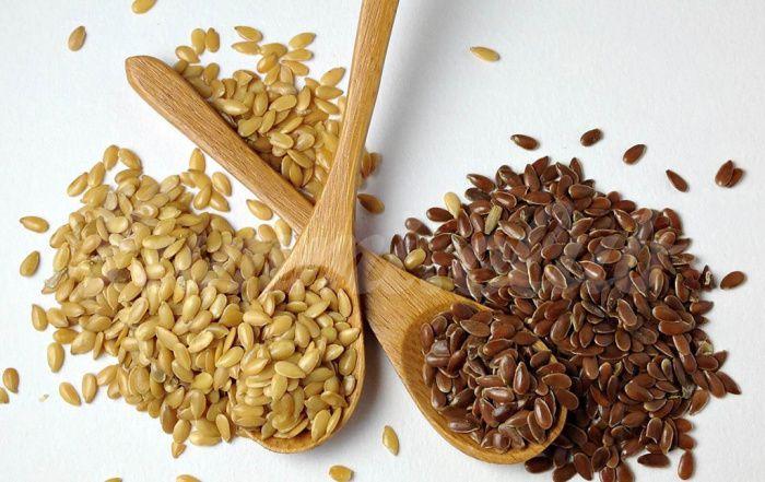 На фото Что полезнее семена Чиа или Льна?