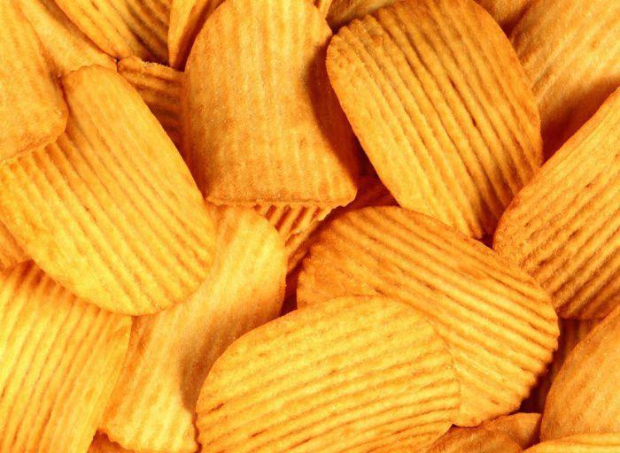 На фото Секреты производства чипсов