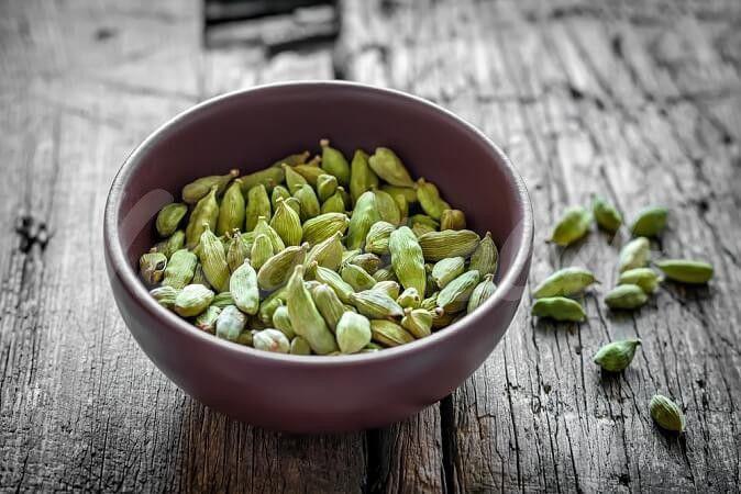 На фото «Райское зерно» – кардамон