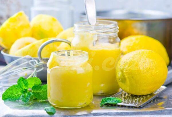 На фото Лимонный курд