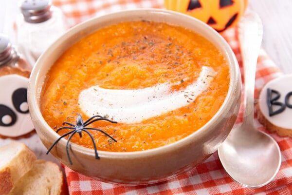 На фото Тыквенный суп