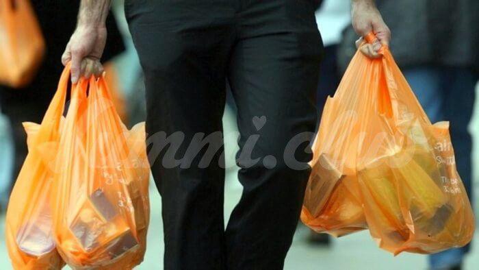 На фото В Монако запретят использовать полиэтиленовые пакеты