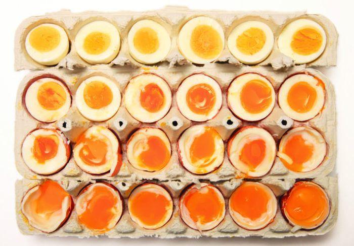 На фото Американский шеф-повар нашел способ идеальной варки яиц