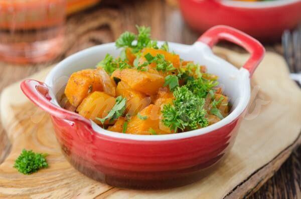 На фото Тыква с томатным соусом