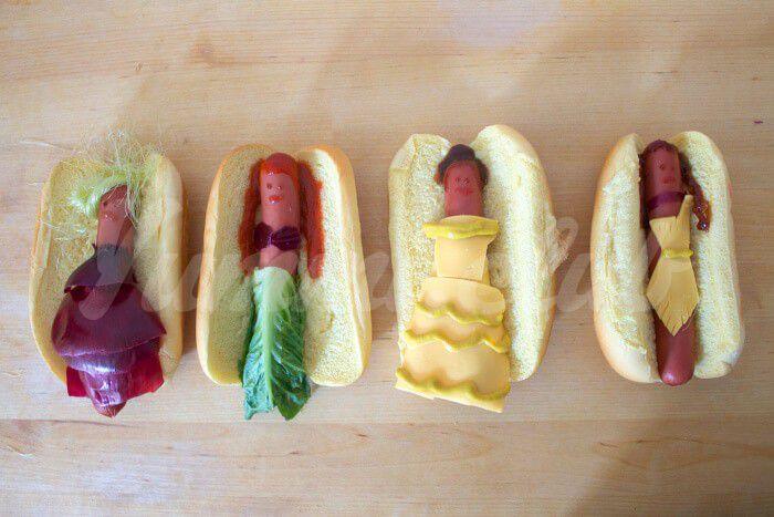 На фото Диснеевские принцессы в виде хот-догов